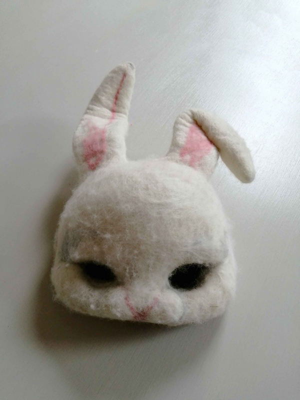 White rabbit mask - Image